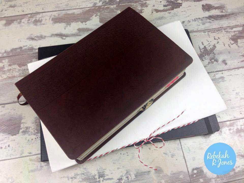 peerless-palette-with-art-journal-and-bible